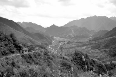 —— 2011杭州·千岛湖·浪川大连岭红色文化节开幕式见闻